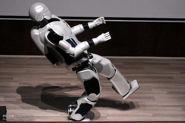 نسل چهارم ربات سورنا رونمایی شد، شروع طراحی نسلهای بعدی