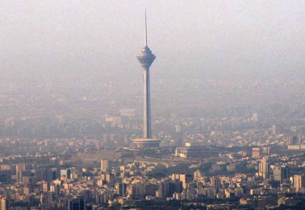 مقاومت بر سر تعطیلی تهران عجیب است