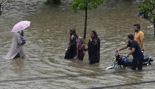 خوزستان نگران سیل و سرما باشد یا کرونا؟ ، چرا بحران مدیریت بحران داریم؟